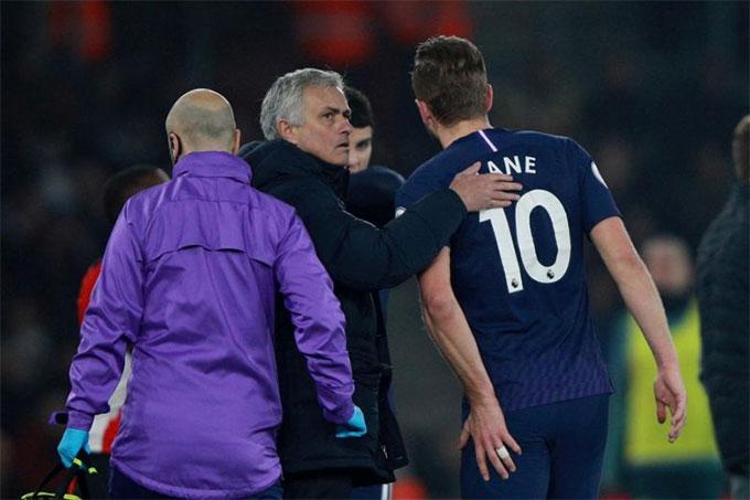 Kane mới chấn thương và phải nghỉ thi đấu dài hạn