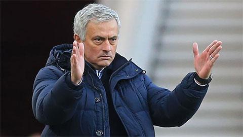 'Mourinho sẽ dựng xe buýt trước Liverpool'
