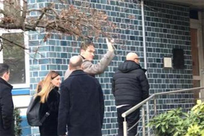 Asmir Begovic tới Milan kiểm tra y tế