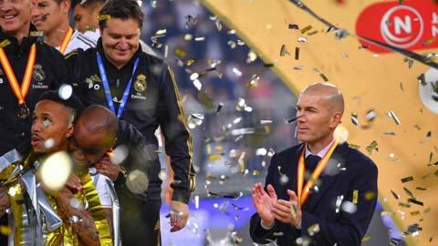 Zinedine Zidane vừa có danh hiệu thứ 10 trên cương vị HLV của Real Madrid