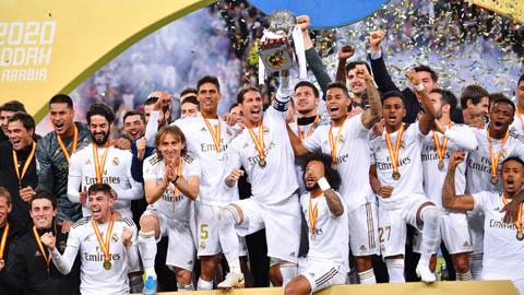 Đua danh hiệu: Real Madrid chuộng hàng ngoại, Barcelona sính nội
