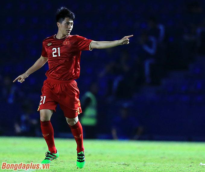 HLV Park Hang Seo phải tung vào sân Đình Trọng.