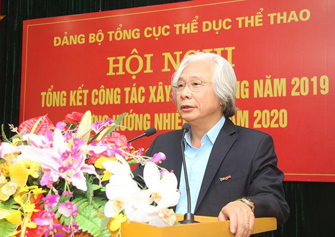 Đồng chí Nguyễn Văn Phú - Bí thư Đảng ủy, Tổng biên tập Đảng bộ Báo Bóng đá trình bày tham luận - Ảnh: Bùi Lượng