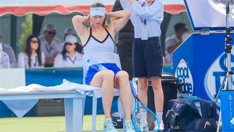 Sharapova, Bouchard: Hai người đẹp nôn khan và khó thở ở Australia