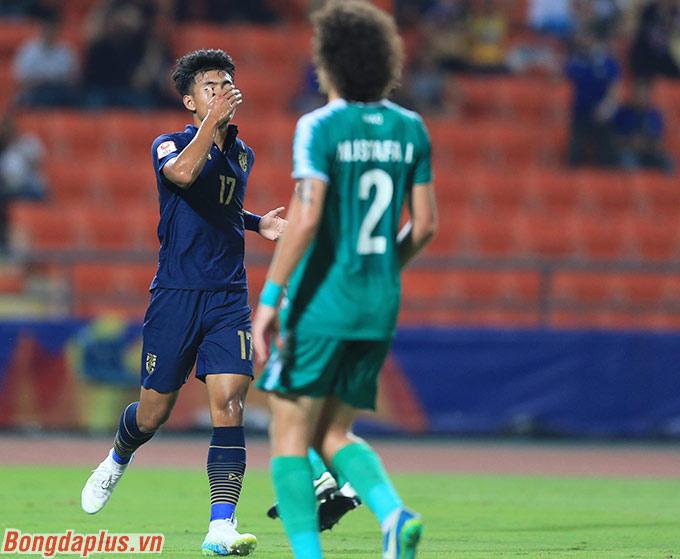 Suphanat bỏ lỡ đến 3 cơ hội ghi bàn vào lưới U23 Iraq
