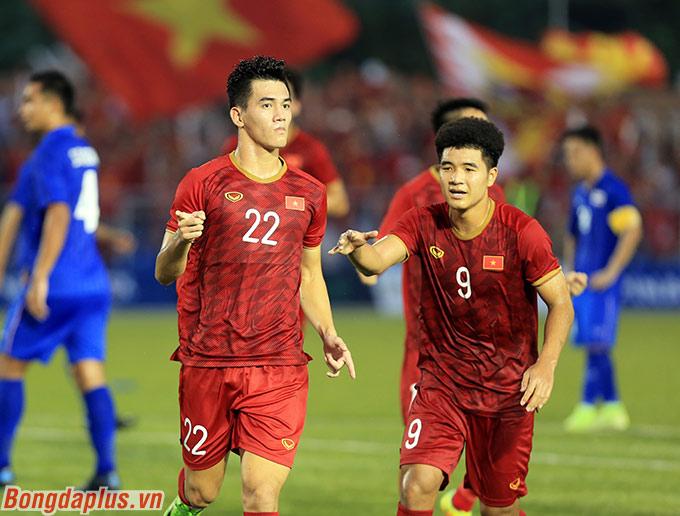 Cú đúp của Tiến Linh giúp U22 Việt Nam hòa U22 Thái Lan, qua đó vào bán kết SEA Games - Ảnh: Đức Cường