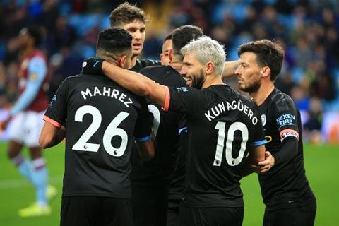 The Sun đưa tin các cầu thủ Man City đã tổ chức tiệc Bunga Bungda sau chiến thắng 6-1 trước Aston Villa