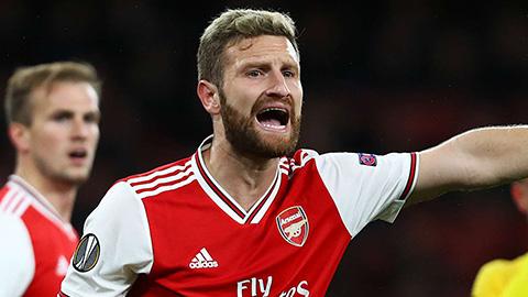 Arteta mở cửa cho Mustafi rời Arsenal