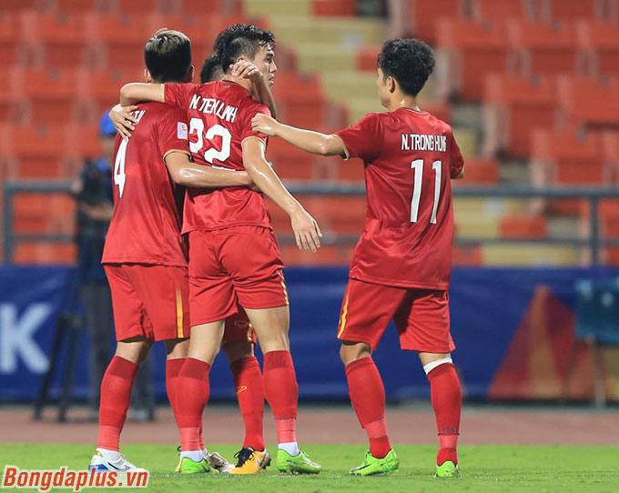 U23 Việt Nam sớm có bàn thắng vượt lên của Tiến Linh - Ảnh: Minh Tuấn