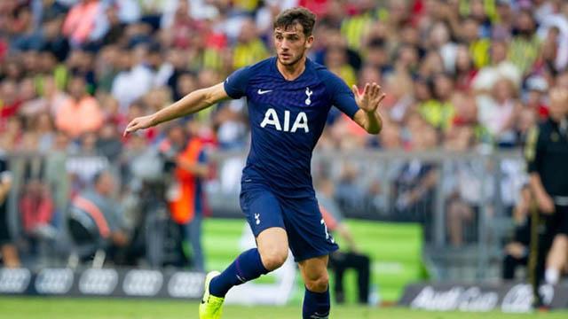18.Troy Parrott (sinh năm 2002 - CLB Tottenham): Trung phong người CH Ireland cao 1m85 này mới chỉ được sử dụng có 5 phút ở Ngoại hạng Anh 2019/20 nhưng anh lại đang gây ấn tượng tại các giải đấu dành riêng cho lứa trẻ. Tính cho tới lúc này, Parrott đang có 10 bàn và có 1 kiến tạo sau 7 trận. Hiện tại, Bayern Munich cũng quan tâm tới Parrott.