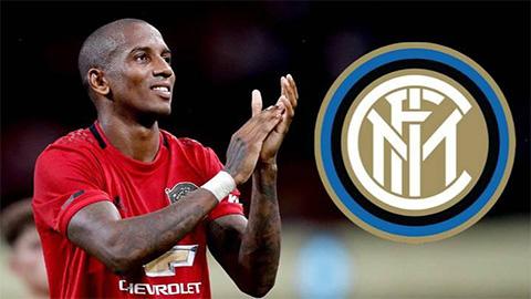 """M.U bán Ashley Young cho Inter với mức giá cực """"bèo"""""""