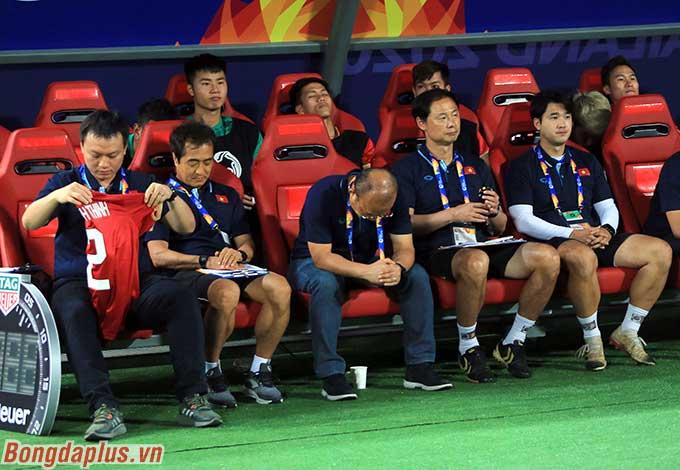 HLV Park Hang Seo ưu tư trước trận đấu cuối cùng. U23 Việt Nam phải thắng được U23 Triều Tiên để hy vọng vào tứ kết