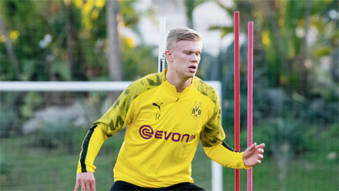 Erling Haaland: Chờ màn chào sân Bundesliga