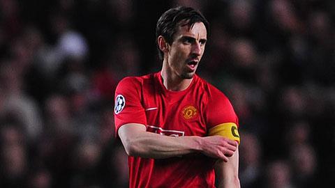 Neville từng có quãng thời gian dài đeo băng thủ quân của M.U