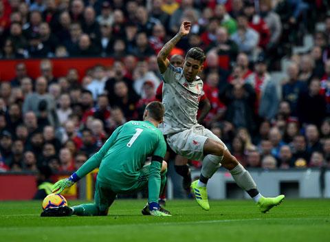 Trở lại Anfield, Liverpool (trên) sẽ dễ dàng vùi dập Man United