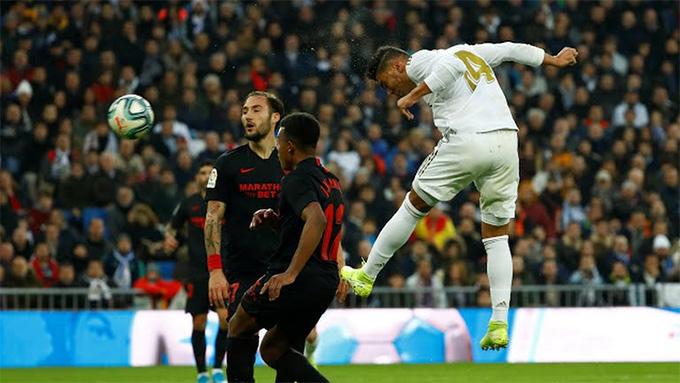 Casemiro ghi cả 2 bàn giúp Real chiến thắng