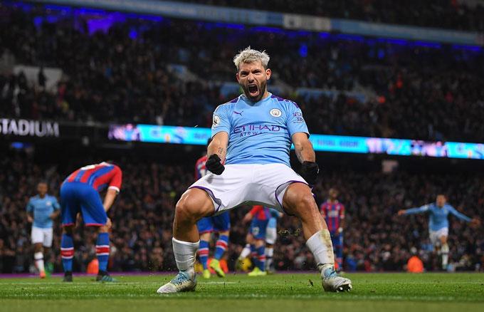 Aguero thi đấu chói sáng nhưng không thể cứu Man City