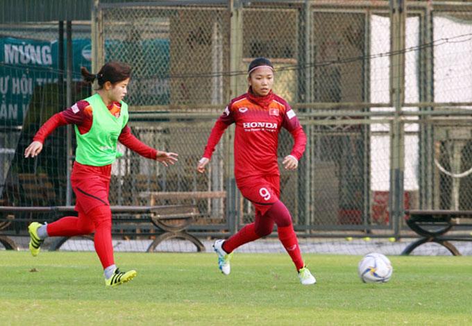 Huỳnh Như cùng đồng đội quyết tâm hướng đến tấm vé dự Olympic 2020 - Ảnh: VFF