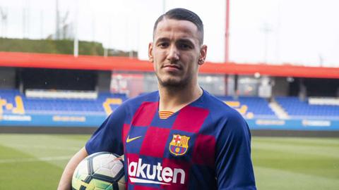 Cựu tiền đạo Inter Milan gia nhập Barca