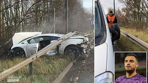 Thủ môn của M.U gặp tai nạn xe hơi kinh hoàng