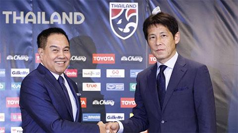 HLV Akira Nishino nhận lương cao gấp đôi đồng nghiệp Park Hang Seo