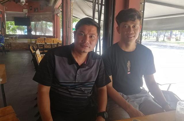 Tuyển thủ U23 Việt Nam - Trần Thanh Sơn hẹn cùng thầy cũ, cà phê những chiều cuối năm.