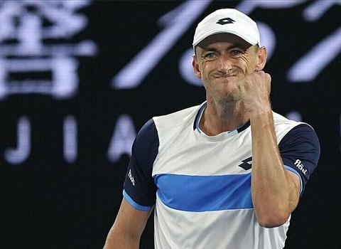 Millman gây áp lực lớn lên Federer trong cả trận - Ảnh: AP