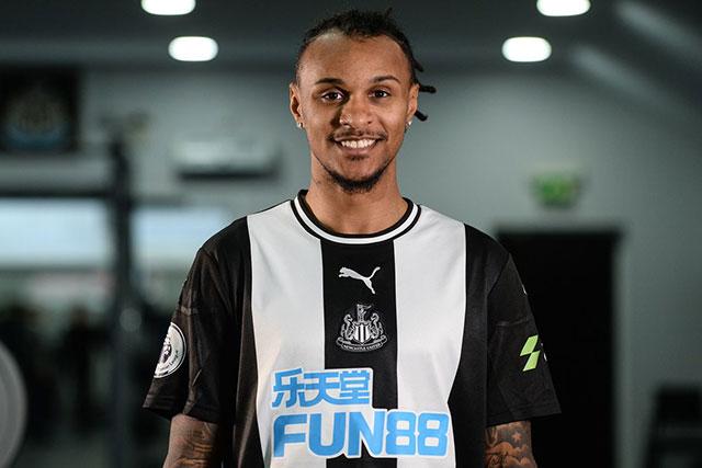 Lazaro cần thể hiện mình ở Newcastle