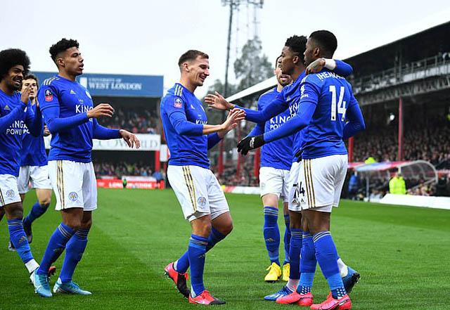 Leicester đi tiếp nhờ chiến thắng tối thiểu trên sân Brentford