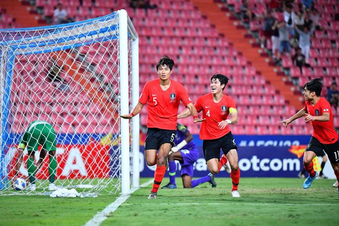 Trung vệ Jeong Tae-wook là người hùng của U23 Hàn Quốc khi ghi bàn ở phút 113