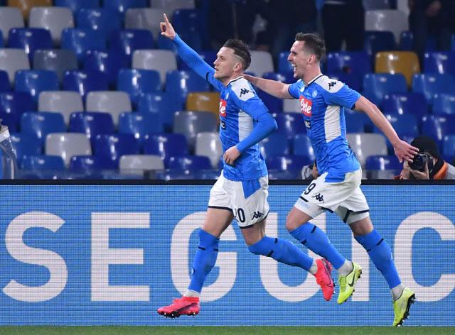 Niềm vui của cầu thủ Napoli sau khi đánh bại Juventus