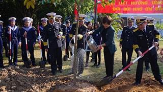 Lữ đoàn 147 Hải quân phát động tết trồng cây 'đời đời nhớ ơn Bác Hồ'