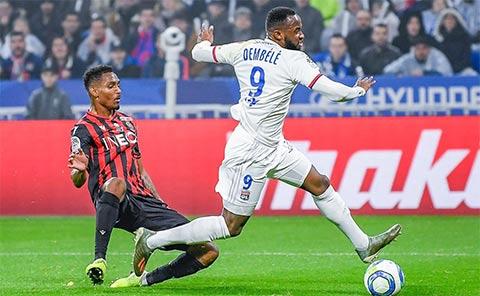 Lyon đang thăng hoa với 9 trận bất bại liên tiếp, trong đó thắng 8
