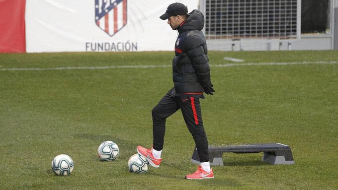 Simeone đang trải qua những ngày tháng ảm đạm cùng Atletico