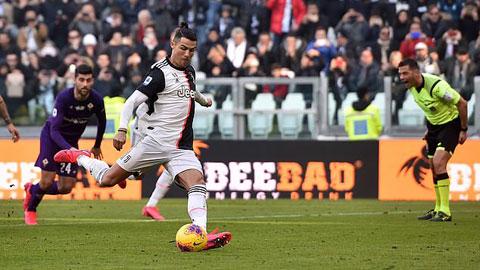 Ronaldo cán mốc 50 bàn thắng cho Juventus, cân bằng kỷ lục của Trezeguet