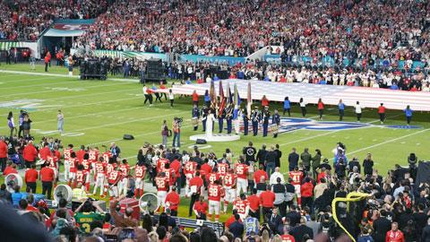 Super Bowl, nơi thể thao biến thành ngày hội giải trí