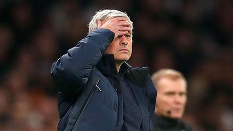 Mourinho thừa nhận đang nổi tiếng trên mạng vì... VAR