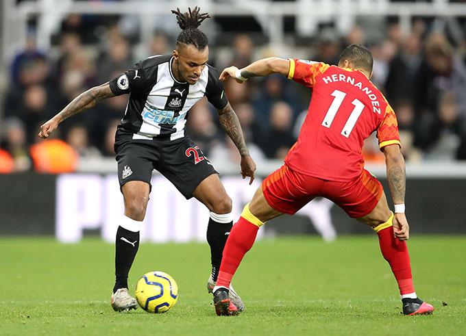 Lazaro được kỳ vọng sẽ giúp Newcastle thi đấu ổn định hơn