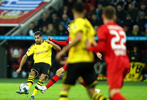 Emre Can có bàn thắng đầu tiên cho Dortmund