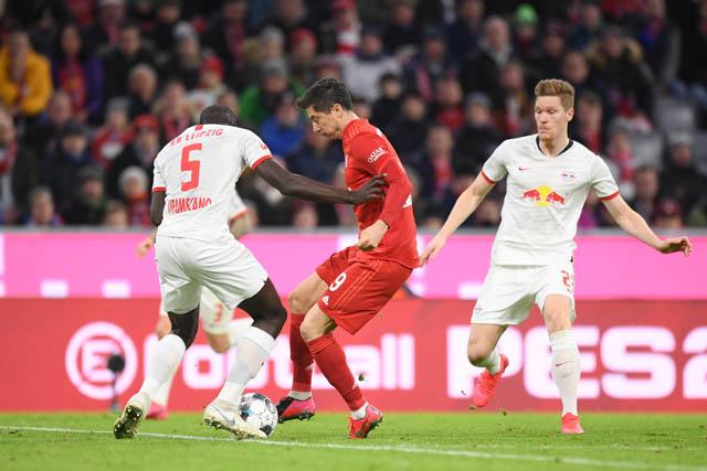 Lewandowski dù rất cố gắng nhưng không thể ghi bàn ở trận này