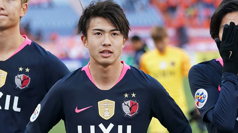 Sau Dembele, Barca mất thêm sao trẻ Nhật Bản 5 tháng