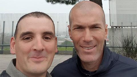 Lái xe gây tai nạn gặp, Zidane được tha thứ khi thực hiện một đề nghị của fan