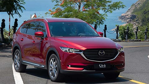 Mazda CX-8 giảm giá sốc ''quyết chiến'' Hyundai Santa Fe, Ford Everest, Toyota Fortuner