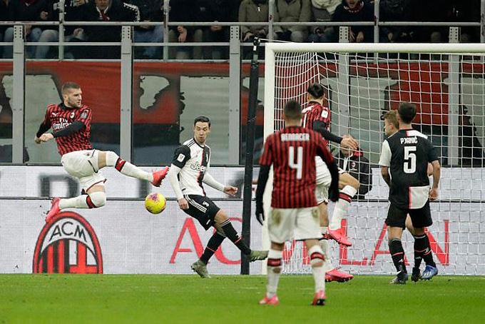 Rebic mở tỷ số cho Milan ở phút 61
