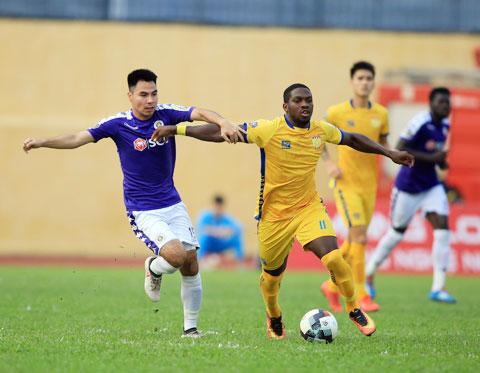 Hà Nội FC tăng cường sức mạnh cho hàng công bằng tân binh Rimario (phải) tới từ Thanh HóaẢnh: ĐỨC CƯỜNG