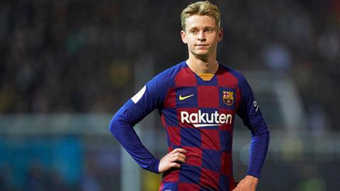 De Jong bị đặt sai vị trí ở Barca