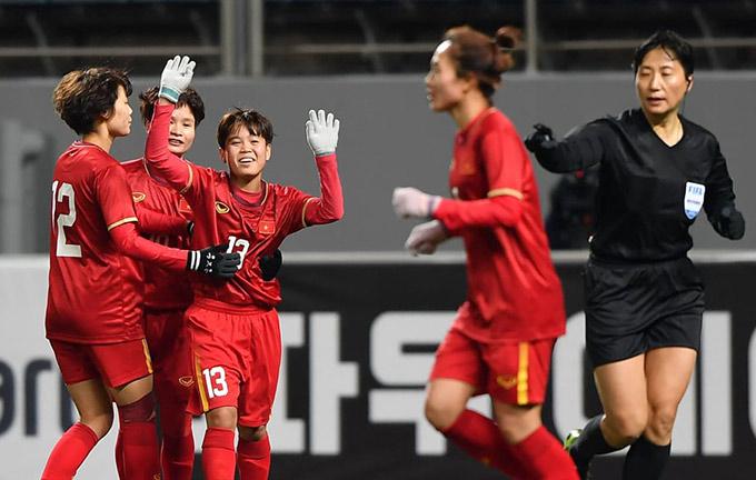 Đẳng cấp và ý chí thi đấu của ĐT nữ Việt Nam cao hơn Thái Lan