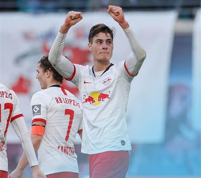 RB Leipzig chiếm ngôi đầu bảng của Bayern, Leverkusen lọt vào top 4