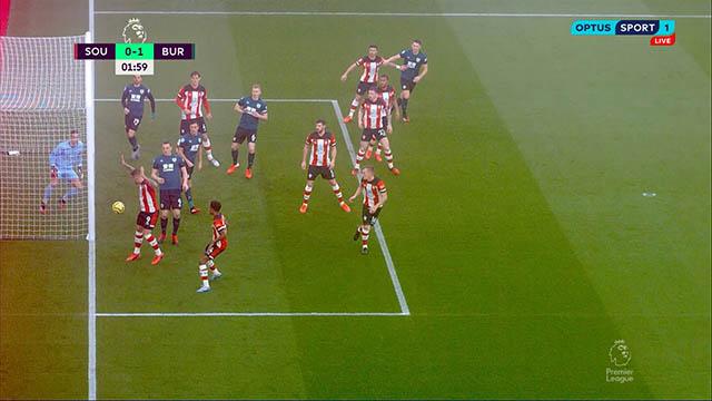 Tình huống phòng thủ tệ hại của Ings khiến Southampton bị thủng lưới