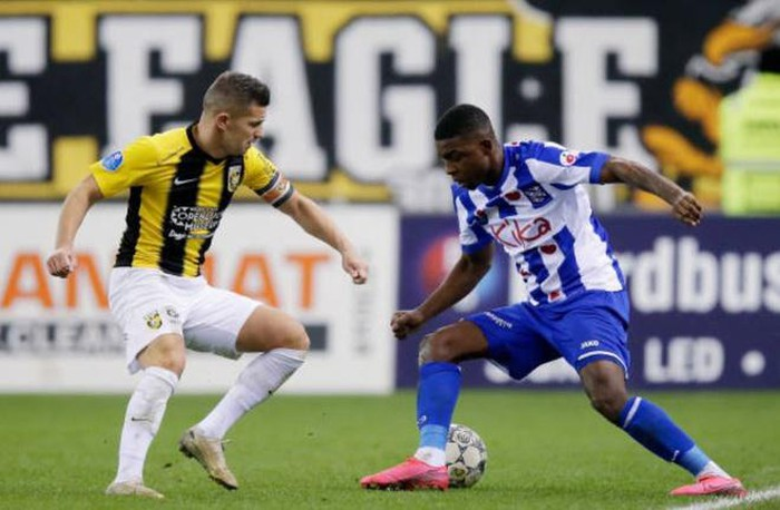 Heerenveen thua 2-4 trước Vitesse